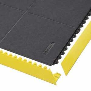 Mata ognioodporna 656SFR Cushion Ease Solid™ Nitrile FR