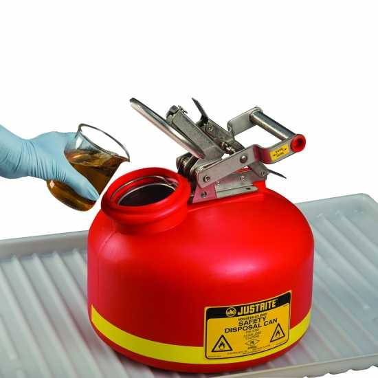bezpieczny pojemnik na łatwopalne płyny